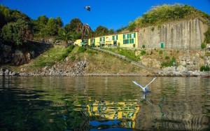 alloggi-scuola-di-vela-dal-mare